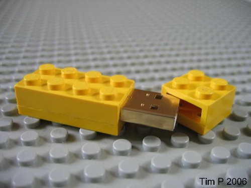 lego_flash_drive_-_03.jpg